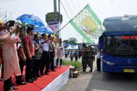 Pemprov Lampung Melepas 944 Peserta Mudik Bareng
