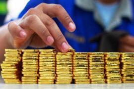 Emas naik karena pelemahan dolar AS