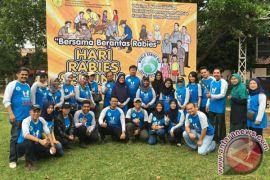 Mahasiswa Kedokteran Hewan IPB Vaksinasi Massal Anjing di Sukabumi