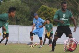 Rahmat Darmawan Ingin Libas Pelatih Persib