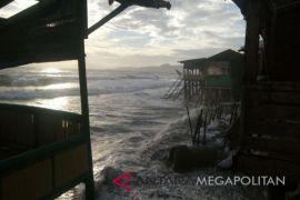 Gelombang Tinggi, Nelayan Diimbau Waspada