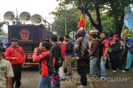 Demonstrasi buruh Bekasi terkait UMSK batal digelar