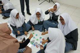 Kunjungan SMA Insan Cendekia Boarding School ke galeri investasi FEM IPB