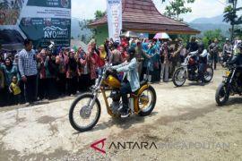 Ketika Presiden Joko Widodo naik motor ke Citarik (Video)