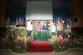 Rabuan bersama: Mendes PDTT dan Rektor IPB tandatangani kerja sama cetak konglomerat di desa