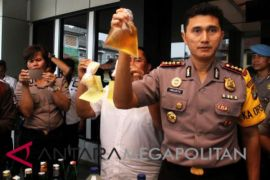 Lagi miras oplosan tewaskan dua pelajar Bekasi