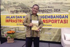 Guru Besar Transportasi UI luncurkan buku