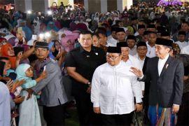 Presiden Jokowi Tarawih di Islamic Center Syekh Abdul Manan Indramayu