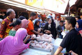 Pemprov Lampung Menggelar Pasar Murah Serentak Di Tiga Pasar