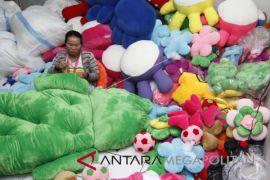 Pengusaha boneka Bekasi nantikan kebijakan atasi kurs