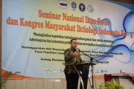 Rektor IPB hadir di tengah-tengah pakar ikan Indonesia