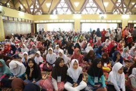 IPB berikan santunan kepada 1.500 anak yatim dan dhuafa lingkar kampus