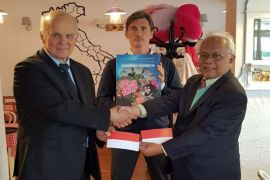 Kunjungan Dr. Sudrajat ke Warsawa Polandia