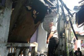 Kompor meledak di Sukabumi hanguskan empat rumah