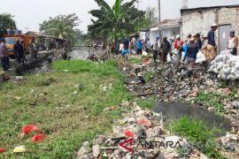 PDAM Bekasi keluhkan kontaminasi limbah air baku