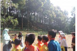 Mahasiswa IPB ajari anak-anak mitigasi bencana alam melaui Kidsrescue