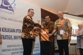 IPB raih penghargaan mitra penelitian asing terbaik