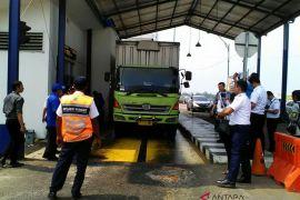 Kemenhub terapkan pemindahan muatan bagi truk overload