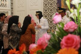 Hari pertama Bupati Purwakarta terima curhat masyarakat