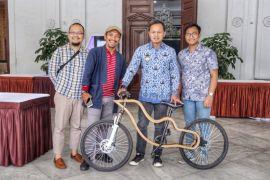 November gratis naik sepeda kayu keliling Bogor