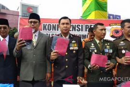 Polisi Sukabumi pajang pelaku pencuri di jalan
