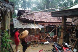 Tiga kecamatan di Sukabumi dilanda bencana