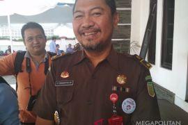 Kejari Sukabumi tahan pejabat bank diduga korupsi