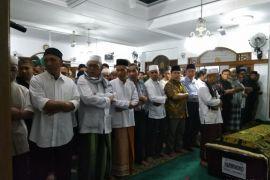Ketua BPK shalat jenazah korban Lion Air