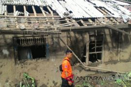 Puluhan rumah di Sukabumi rusak akibat bencana