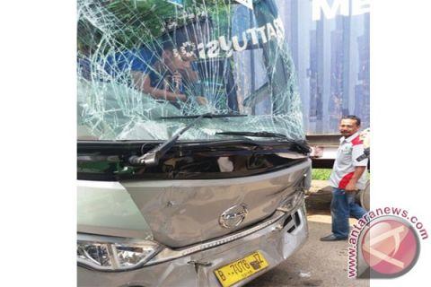 Lima pelaku pelempar bus umrah ditangkap