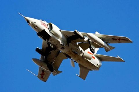 Koalisi Saudi lancarkan serangan udara atas bandara udara Hodeidah Yaman