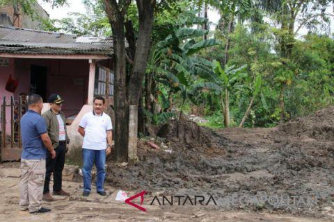 Pjs Walkot Bekasi pantau infrastruktur kawasan banjir