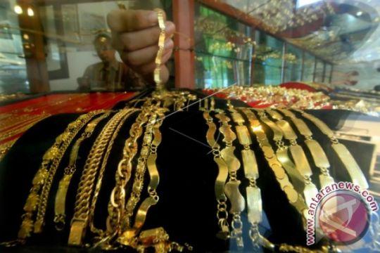 Emas Berbalik Naik Akibat Melemahnya Dolar