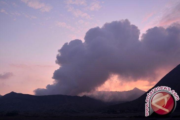 Erupsi Gunung Bromo Jadi Objek Wisata