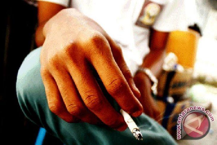 Lindungi remaja dari target industri rokok