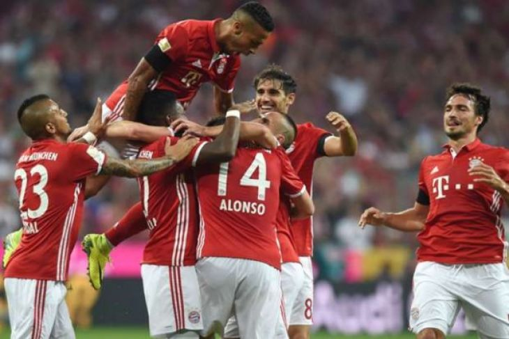Bayern Munich memukul Schalke 04 dengan 2-1