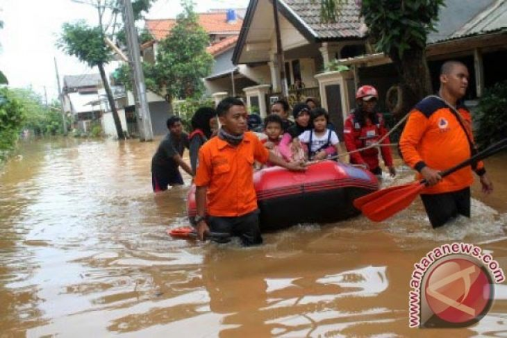 50 personel BPBD Bekasi disiagakan hadapi banjir