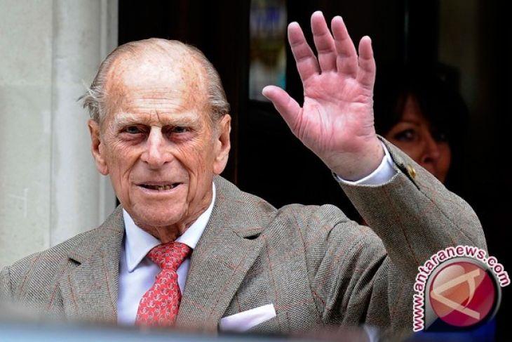 Suami Ratu Inggris Elizabeth II, Pangeran Philip ditegur Polisi, Mengapa?