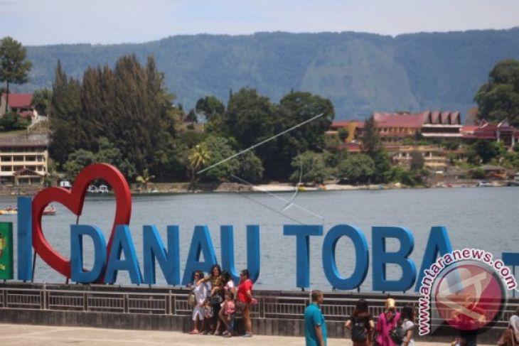 Rp800 Miliar Untuk Membangun Jalan Menuju Danau Toba