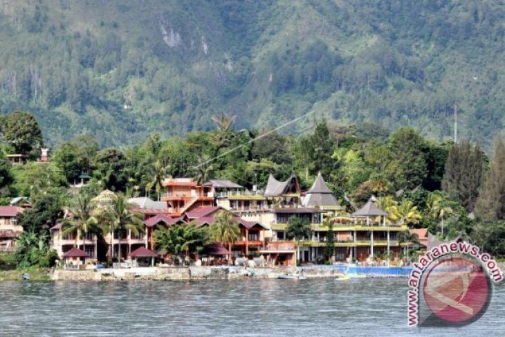 Ada tiga tempat peristirahatan di Danau Toba