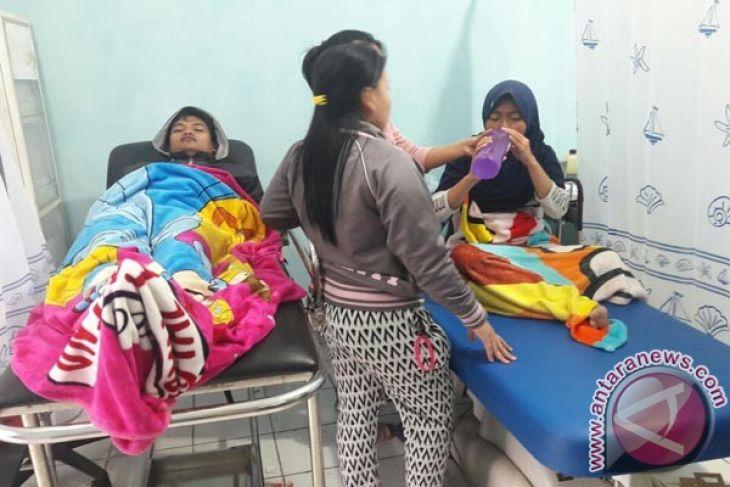 Waduh, 16  warga Karawang keracunan gas