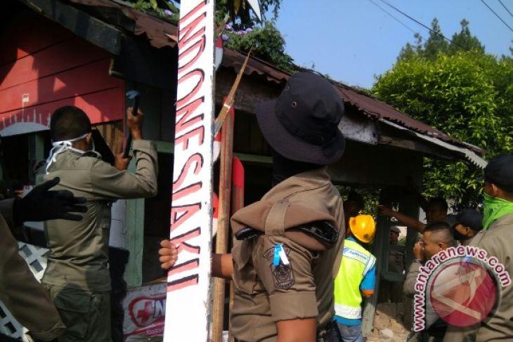 Pemilik Bangunan Liar Puncak Diimbau Bongkar Sendiri