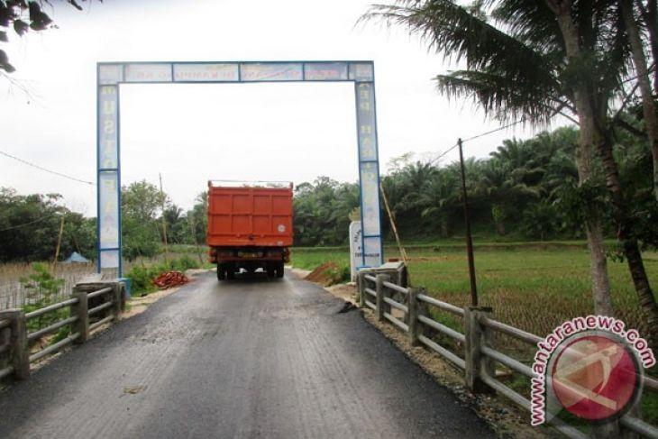 Jalan Rusak Dan Jalan Diperbaiki Di Lampung Tengah (3 Video)