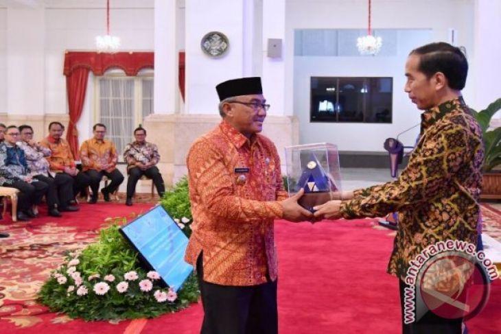 Wali Kota Depok Raih Penghargaan Dari Presiden