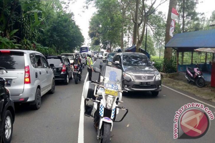 Ribuan kendaraan dari arah Bogor masuk Sukabumi