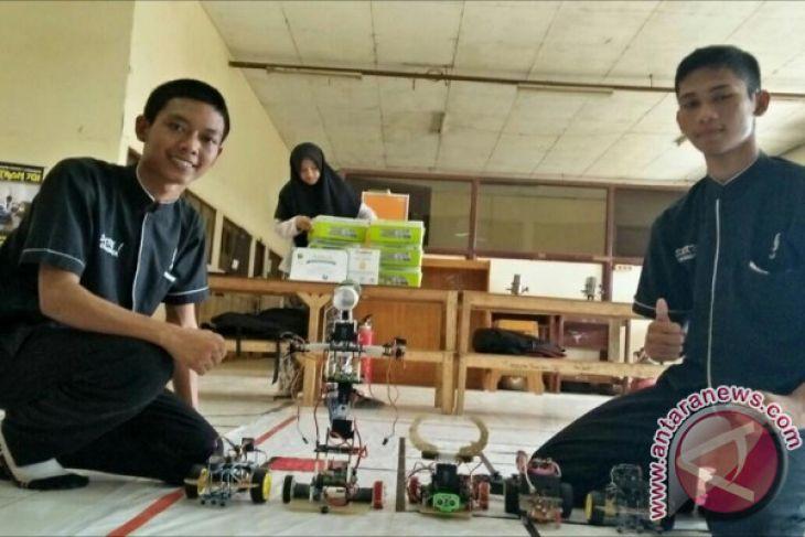 Ini Robot Humanoid Buatan Pelajar SMK Cikampek