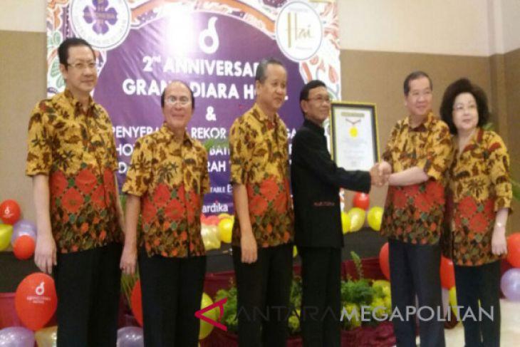 Hotel berdekorasi batik nusantara raih rekor MURI