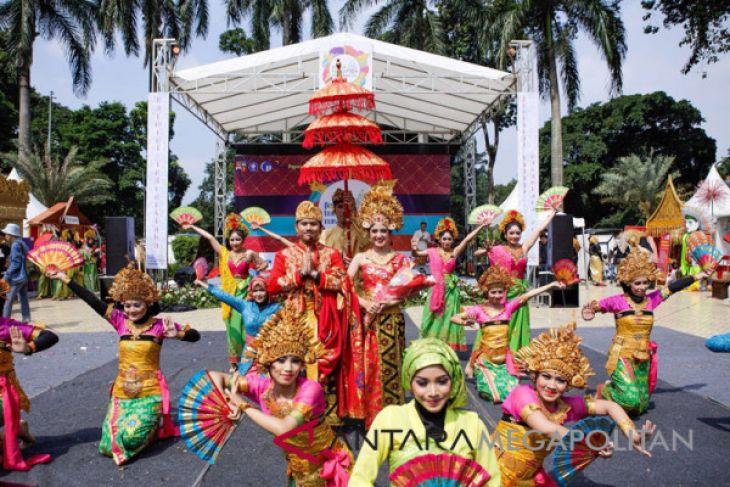Mahasiswa IPB kenalkan keragaman budaya Indonesia