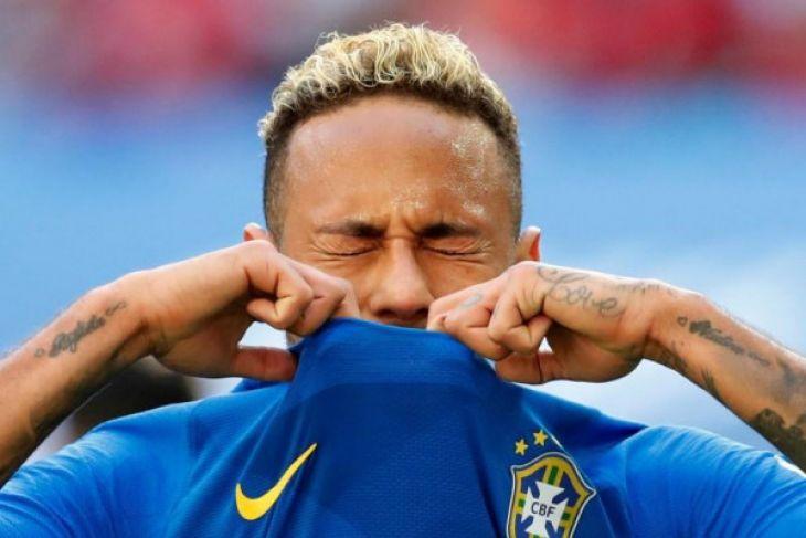 Brazil melaju ke putaran kedua Piala Dunia