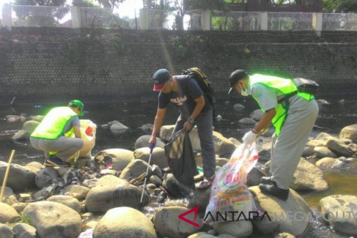 Pemkot Bogor-Korindo Group bersihkan Sungai Ciliwung